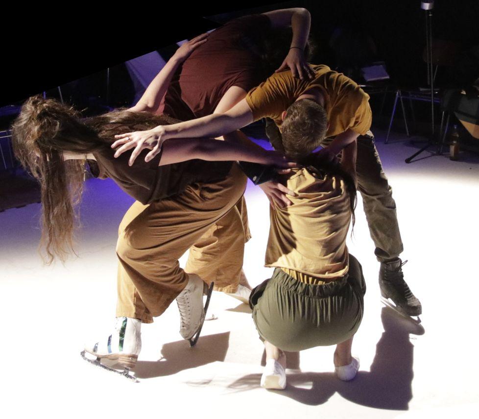 Tanzende zu Schuh und zu Kufe in encounter // begegnung